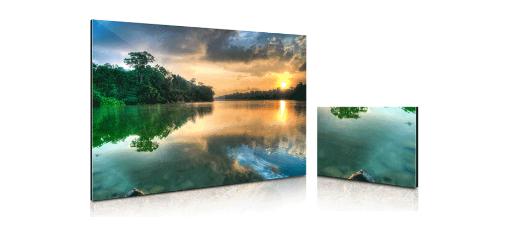 What is a Metal Print? Two differently sized photo metal prints.
