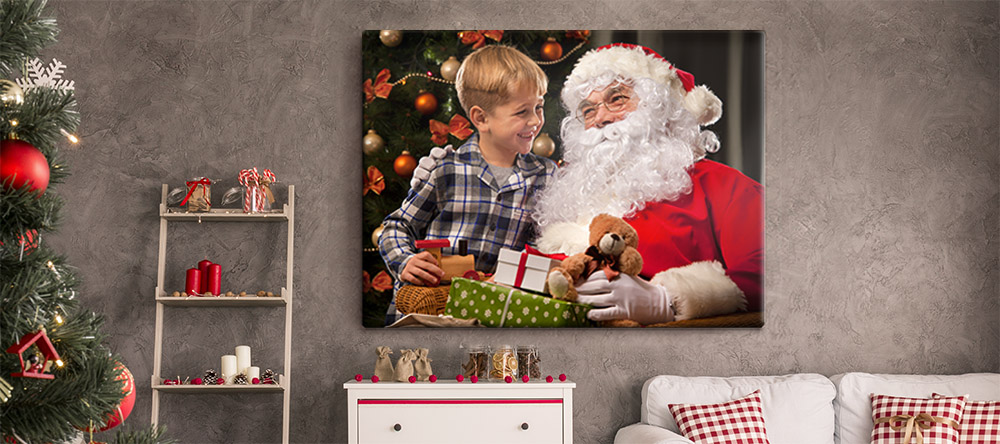 Christmas Gifts 2020: 4 Reasons to Choose Christmas Wall Art. Santa Claus Canvas Print.