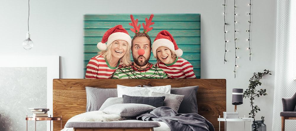 Christmas Gifts 2020: 4 Reasons to Choose Christmas Wall Art. Family photo Christmas Canvas Print.
