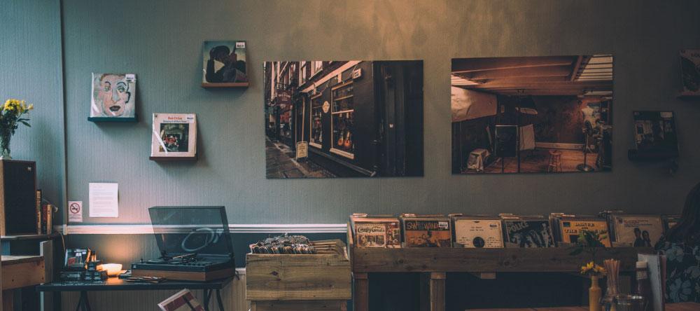 Wieso sollte ich eine Leinwand online bestellen? Fotoleinwände in Musikladen.