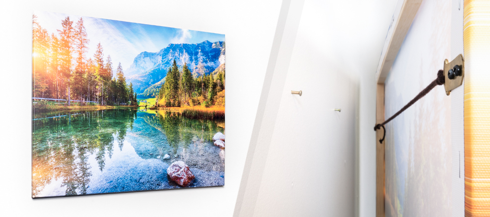 How to hang your canvas print. The complete guide. Large format canvas hanged.