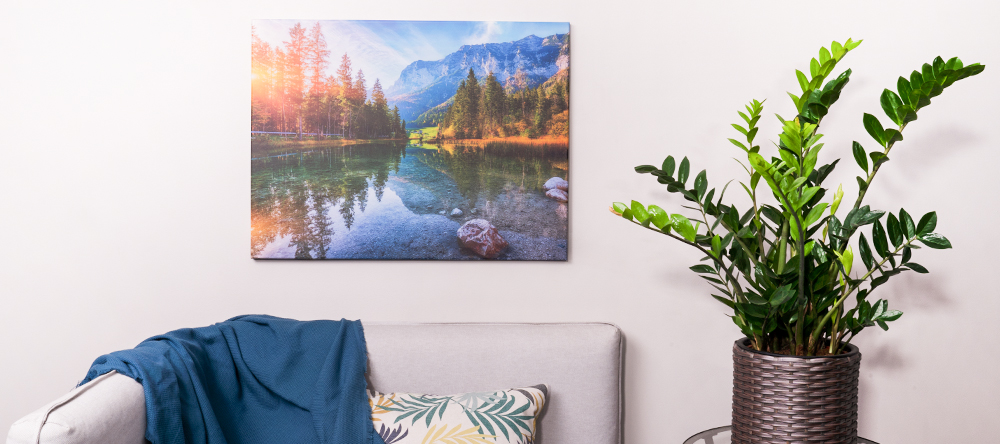 How to hang your canvas print. The complete guide. Hanging large format canvas.