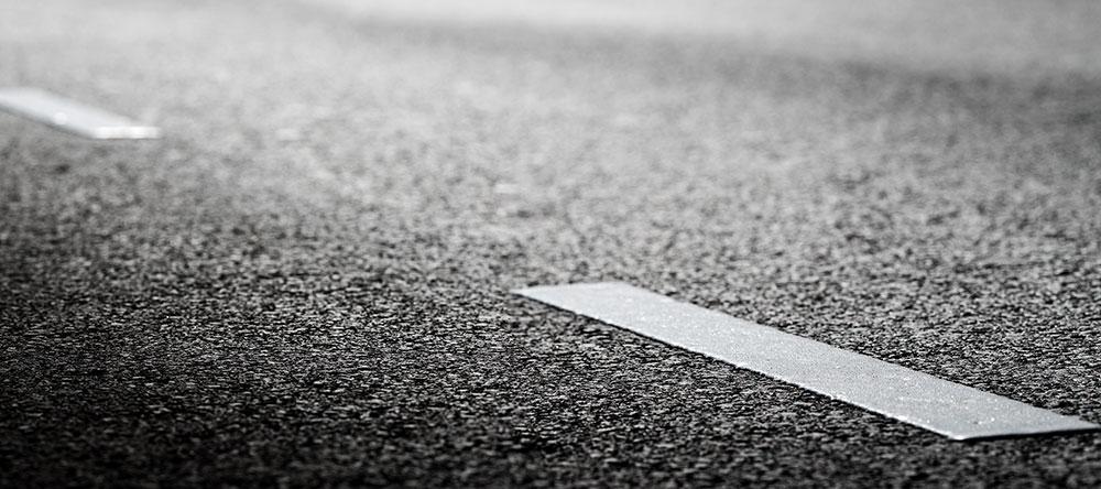 asfalt dicht omhoog